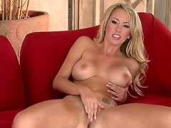 Brett Rossi goes out all to satisfy the crew as well as u in this outrageously hot solo scene. On a side note, what luscious legs! And who knew this babe was so flexible Wow!