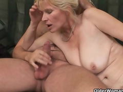 Mom wants you to cum in her face hole