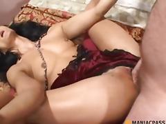 Shoves his schlong in her sexy body
