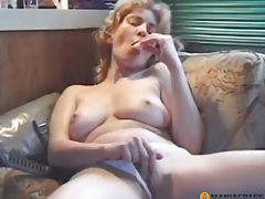 Lascivious cutie sucks wang
